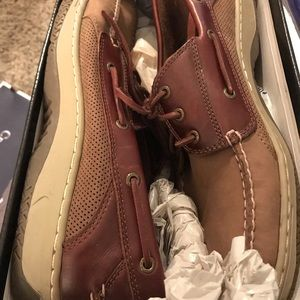 Sperry size 14